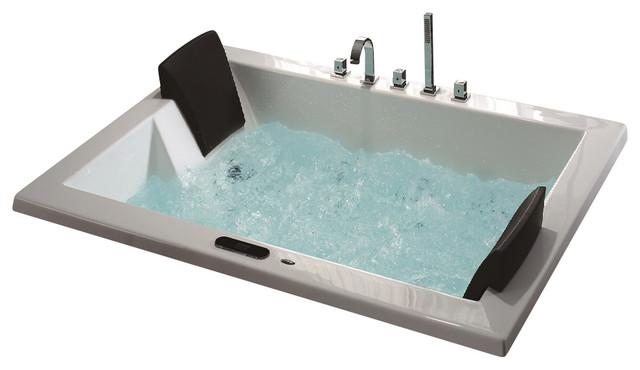 Roma Luxury Whirlpool Tub.