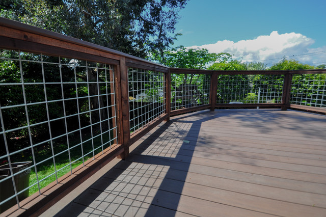 decks with hog wire wire center