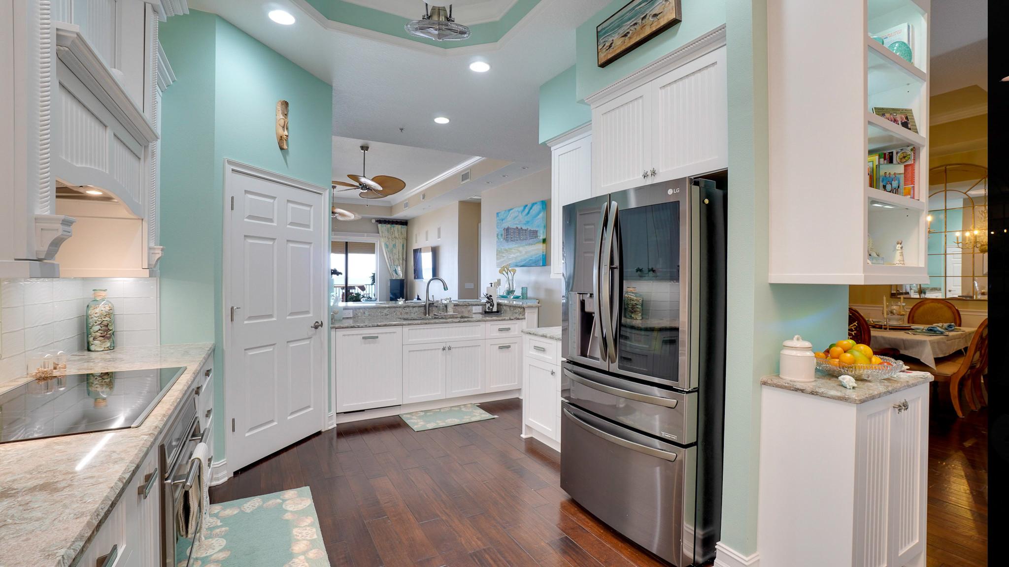 Oceanfront Condo Kitchen