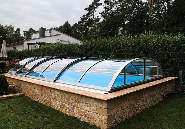 Retractable Swimming Pool Enclosures And Cover