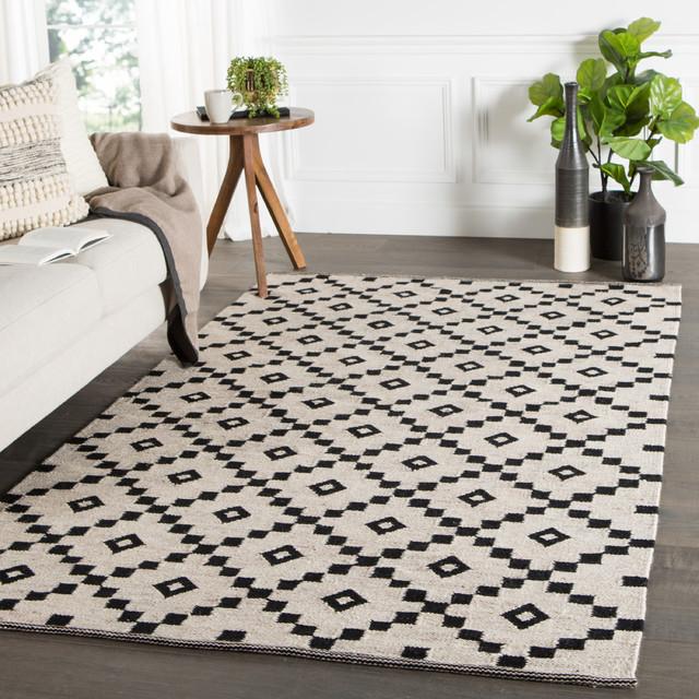 Handmade Geometric Black White Area Rug