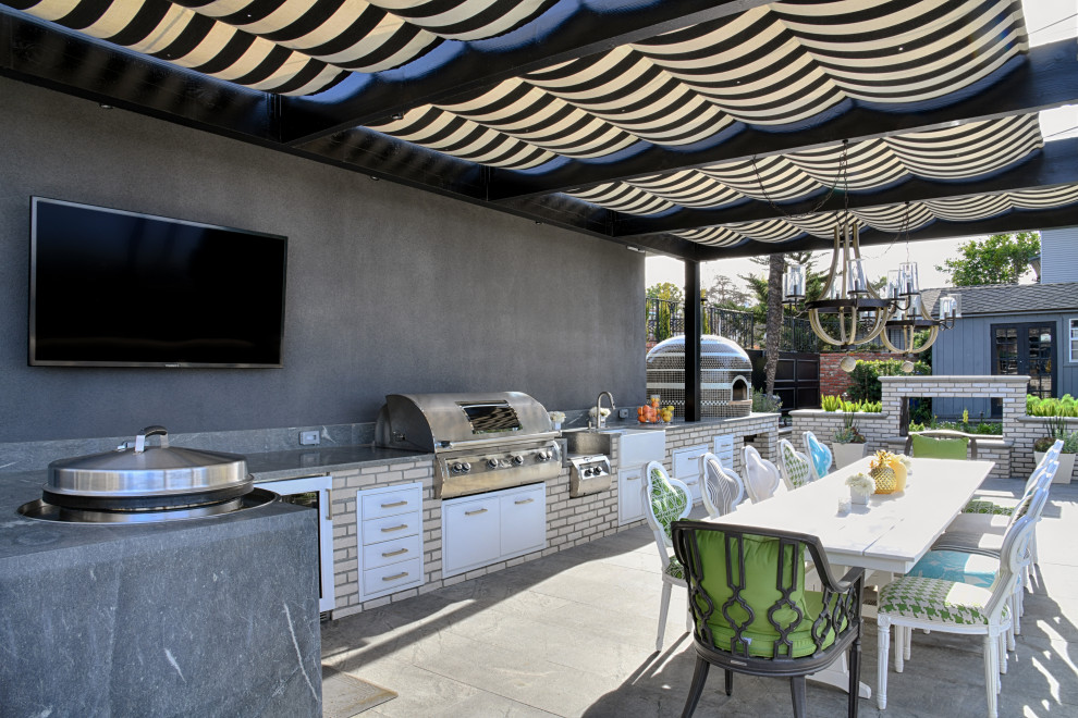 Inspiration for a modern home design remodel in San Diego