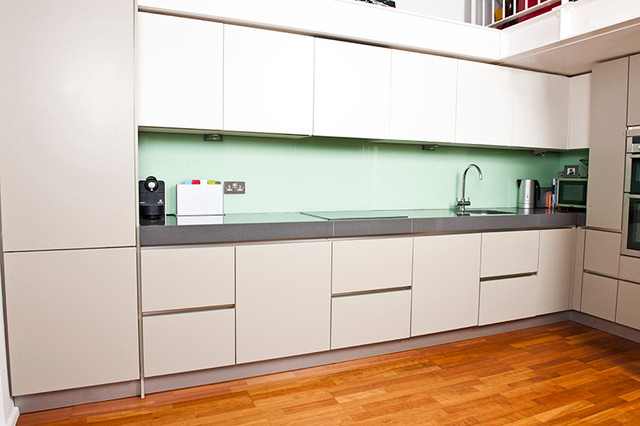 handleless kitchen base and wall units modern kitchen