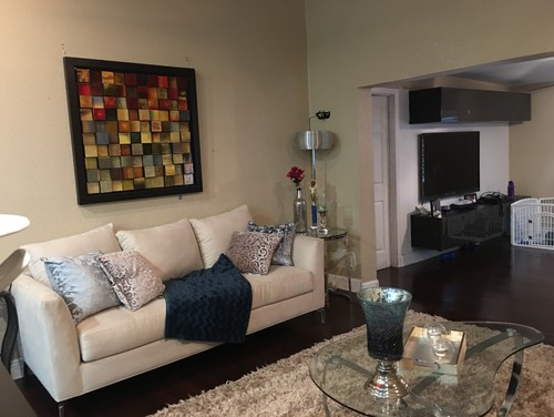 Can youHelp with my living room layout