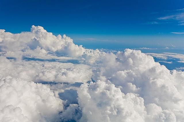 Magic murals clouds at 32 000 feet wallpaper wall mural for Cloud mural wallpaper
