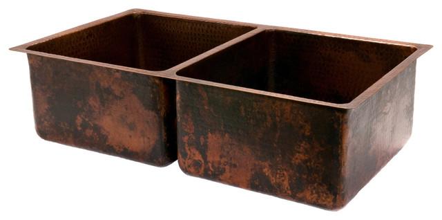 "33"" Hammered Copper Kitchen 50/50 Double Basin Sink."