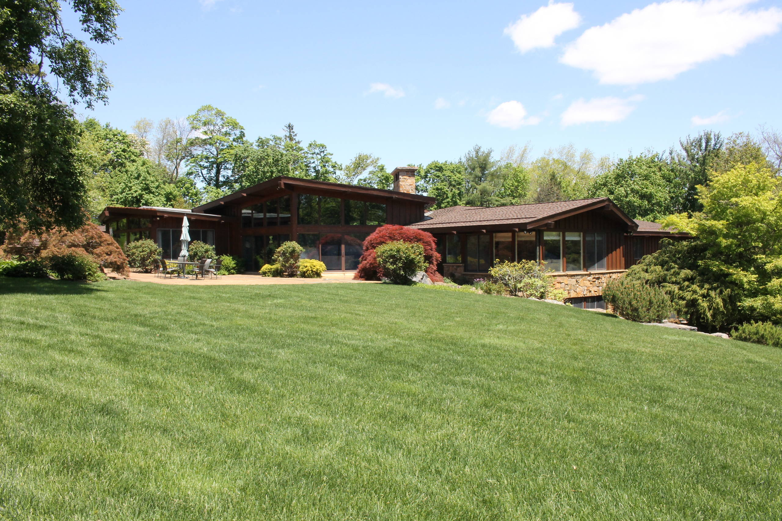 Hallac Sedona in Scarsdale