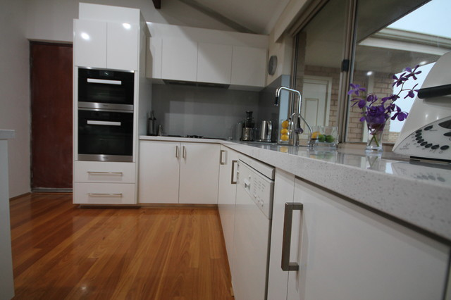 Woodvale kitchen contemporary kitchen perth by for Bathroom d willetton