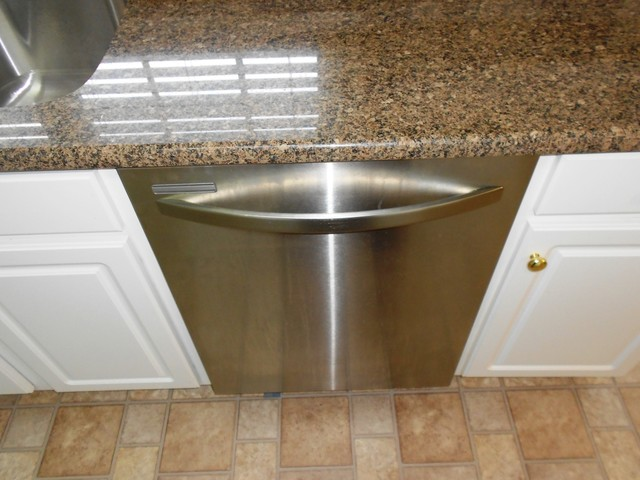 8-17-12 Desert Brown Granite great contrast with White Cabinets traditional