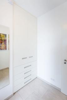 flurnischenschrank als garderobe und schuhschrank modern berlin von asada schiebet ren. Black Bedroom Furniture Sets. Home Design Ideas