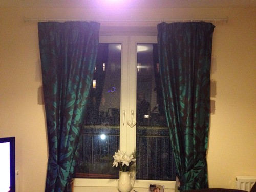 Brown and teal curtains - what wall colour?