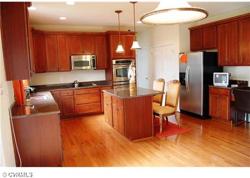 how to color kitchen cabinets need help with kitchen just bought house 7223