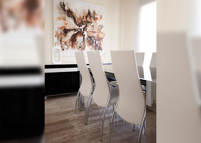 Diseño de interiores y mobiliario de vivienda unifamiliar adosada