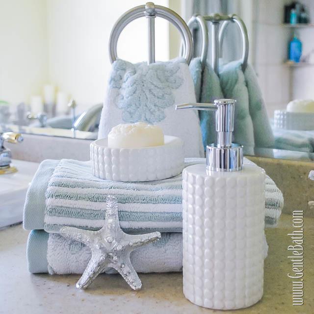 Star light star bright coastal style bath decor idea for Bright bathroom sets