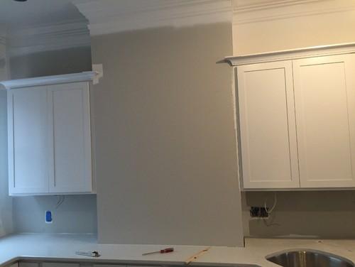 Blank wall in kitchen idea for Blank kitchen wall ideas