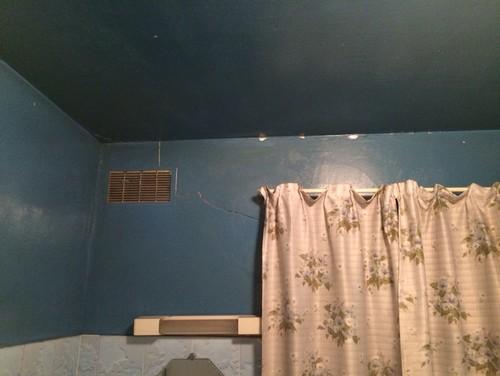 conseil pour moderniser cette salle de bain. Black Bedroom Furniture Sets. Home Design Ideas