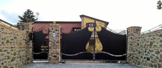 Cancello in ferro battuto e recinzione for Palermo ferro battuto