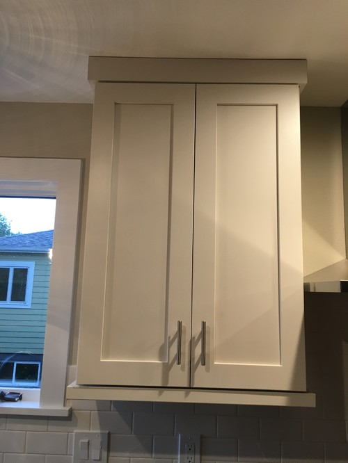 High Quality Do The Flat Stock Crowns And Bottom Light Rails On The Cabinets Look  Correct?