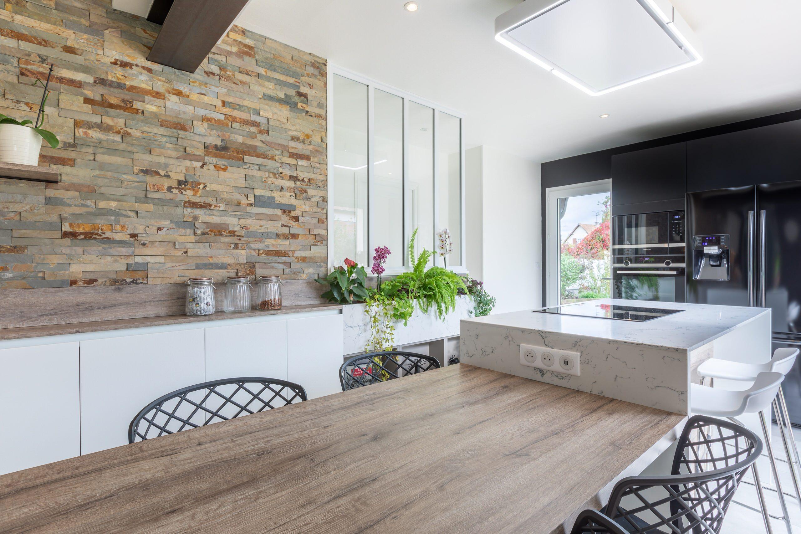 Rénovation complète d'une cuisine, abattement d'un mur porteur