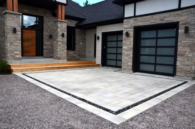 Modern Front Entrance Contemporary Landscape Toronto By Melanie Rekola Design