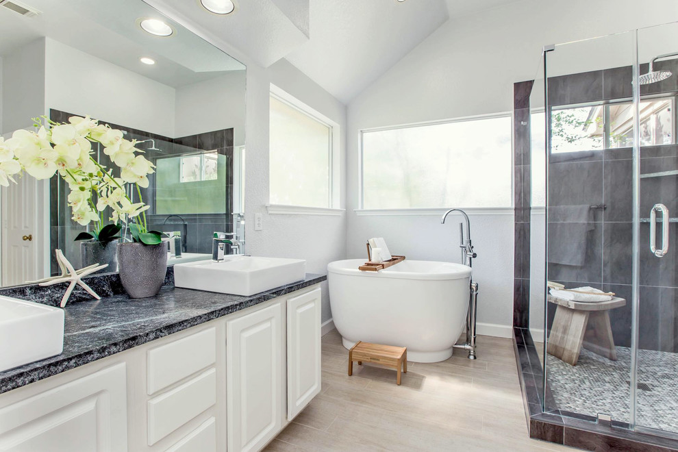 Inspiration for a transitional home design remodel in Houston