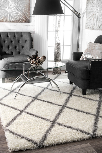 Soft And Plush Moroccan Trellis Gray Runner Shag Area Rug, Gray, 5&x27;3x7&x27;6.