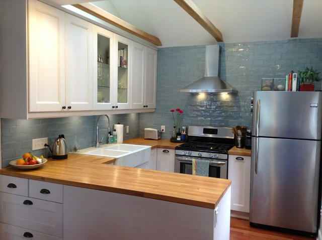 The 100 square foot kitchen a former bedroom gets cooking for Kitchen cabinets ireland
