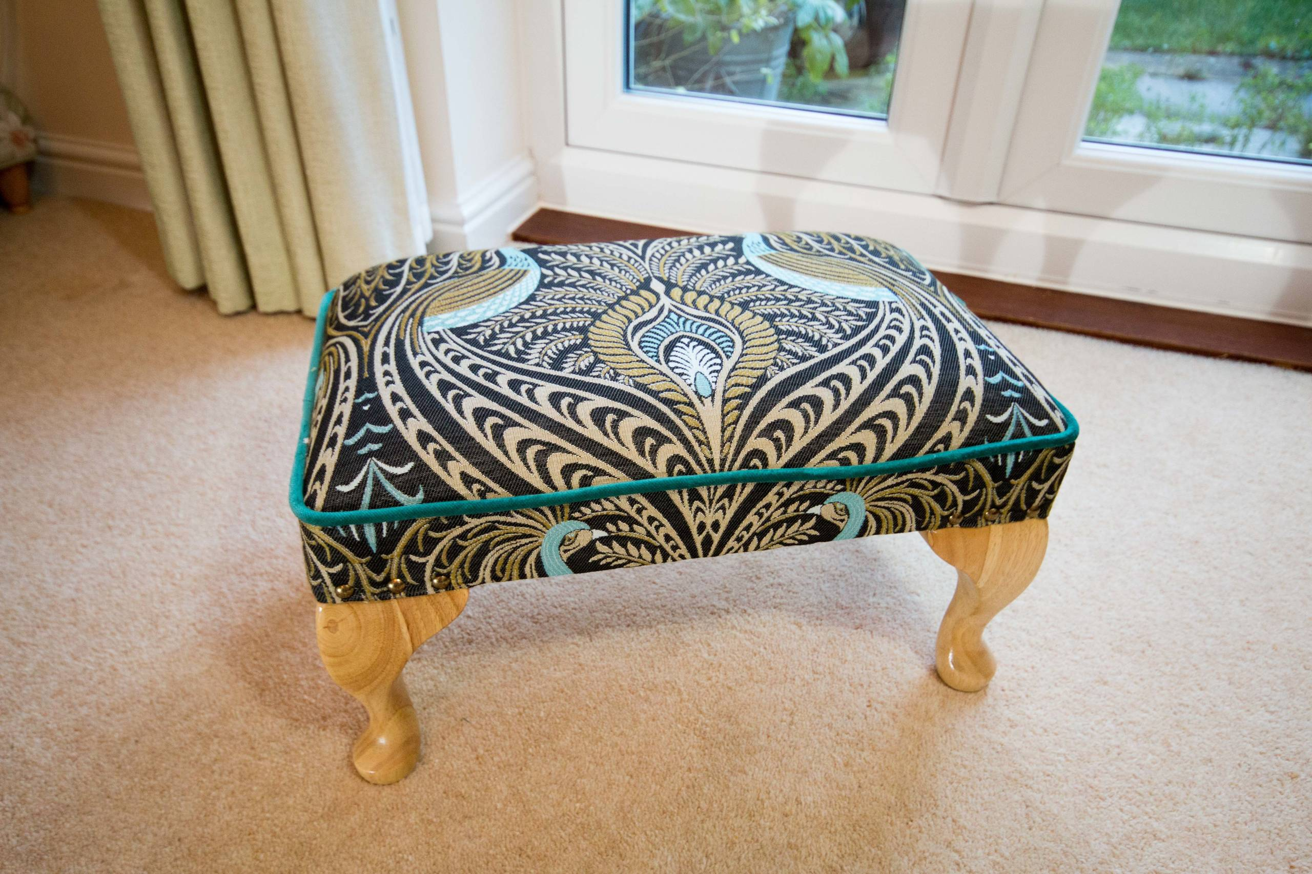 Footstools and Ottomans