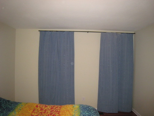 Curtain Rod For Window Against Wall - Rooms
