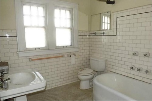 Bathroom in the new house needs help i love the old for Old tile bathroom ideas