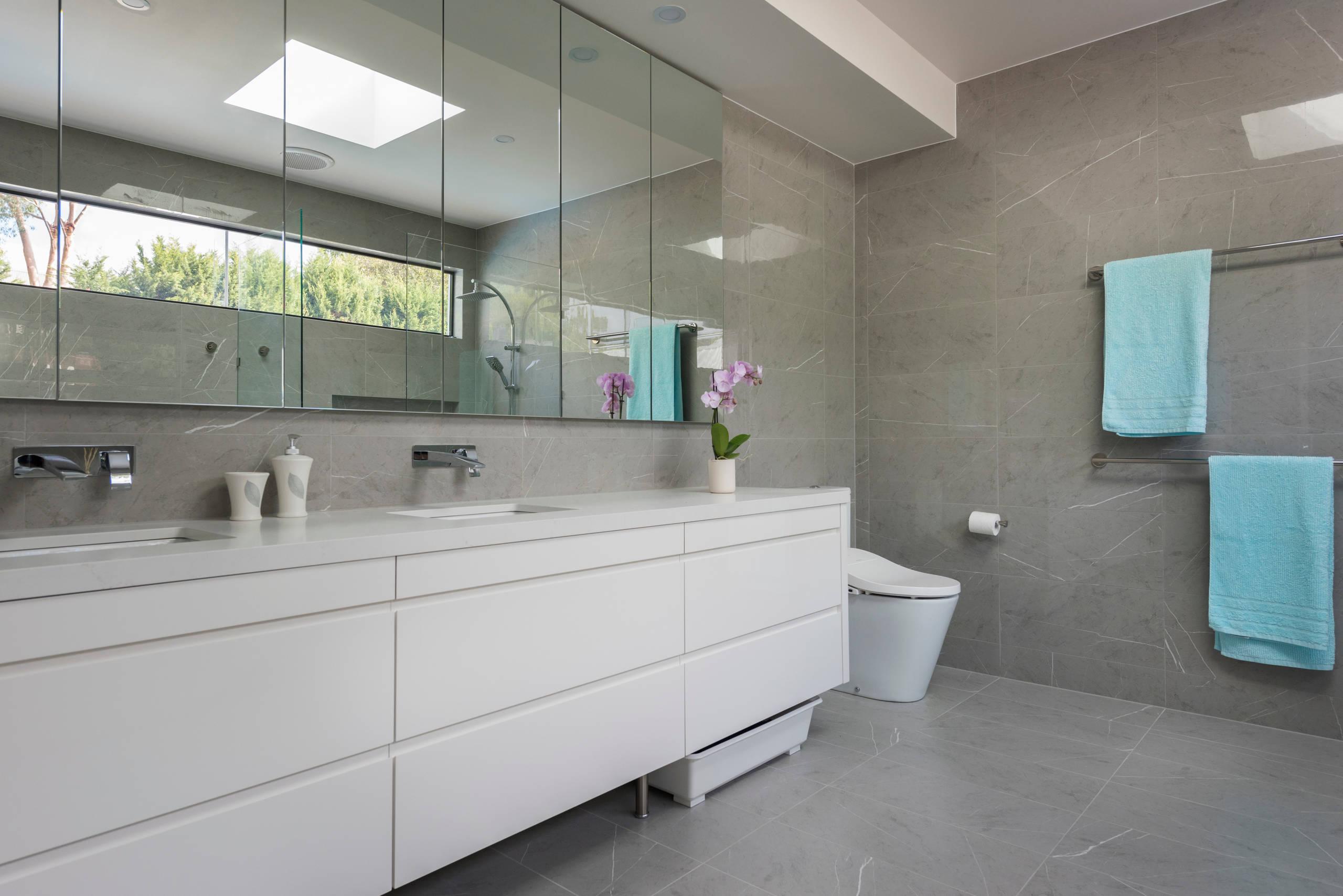Luxurious Bedroom Suite
