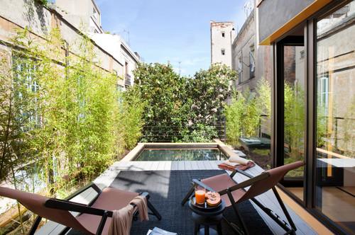 terraza casa con piscina en barcelona diariodesign