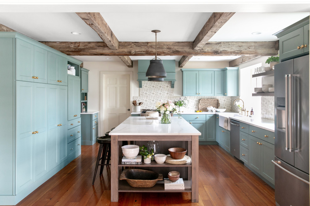 Inspiration for a timeless kitchen remodel in Chicago