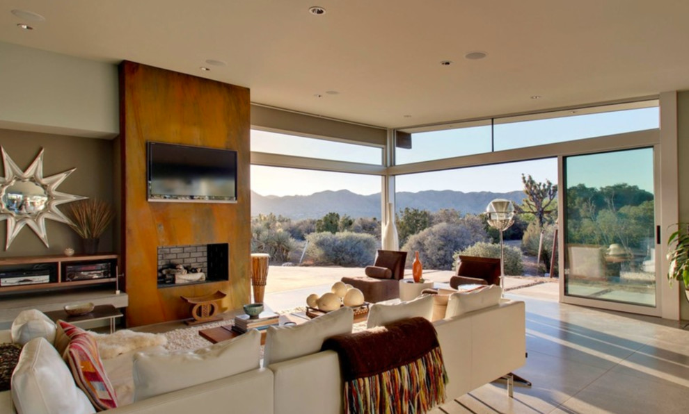 Inspiration for a contemporary home design remodel in Los Angeles