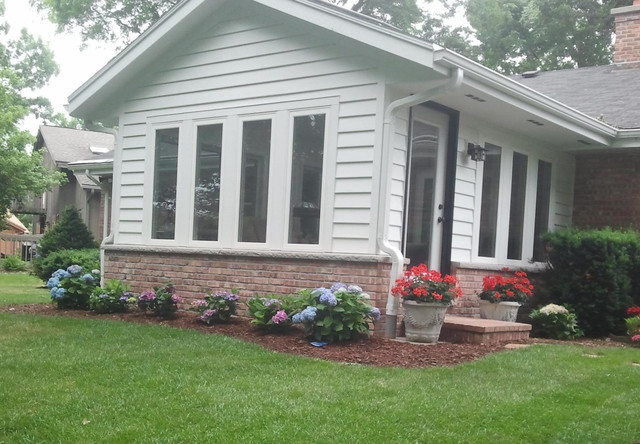 Small sunroom addition in muskego wi traditional for Pictures of room additions