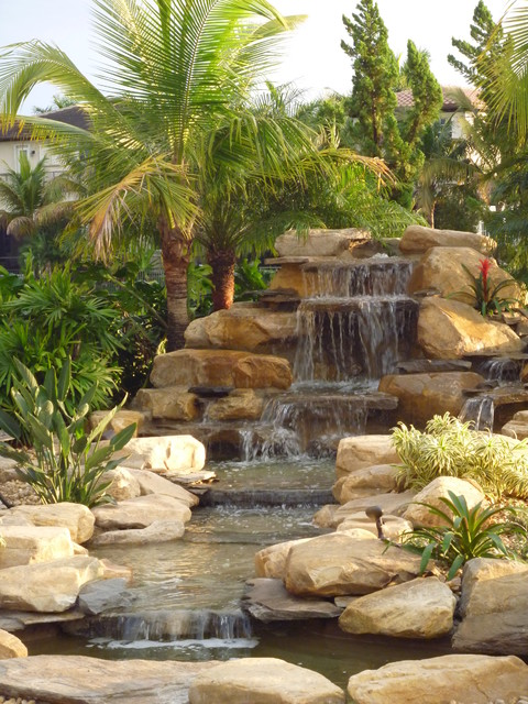Florida waterfalls stream and ponds tropical miami for Garden waterfalls