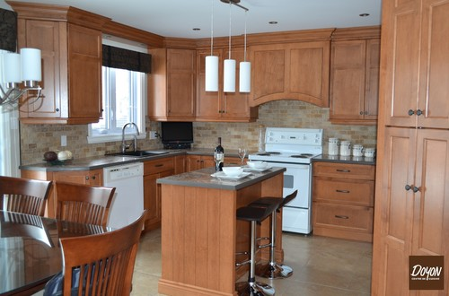 Before after wood kitchen for Armoire de cuisine rona
