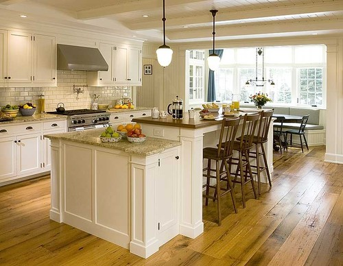 Custom Island Traditional Kitchen