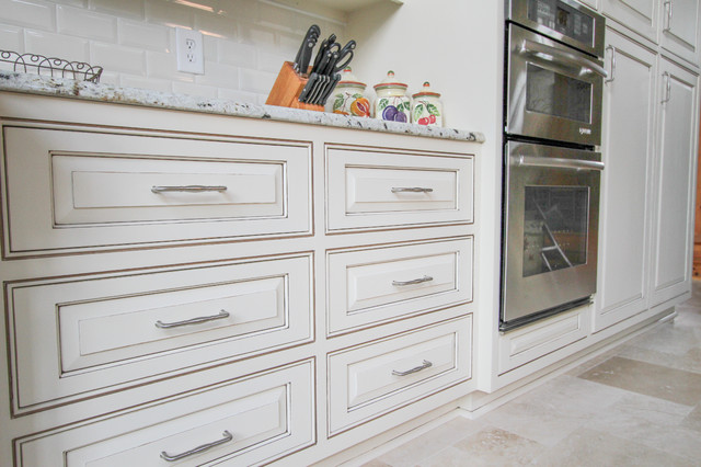 painted and glazed kitchen cabinets painted and glazed kitchen cabinets traditional 24337
