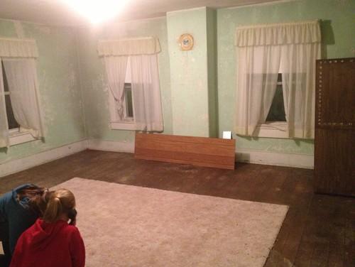 Split one big bedroom into 2 for Split bedroom