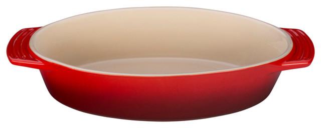 Le Creuset 3 1/2-Quart, 14 Oval Dish, Cherry.
