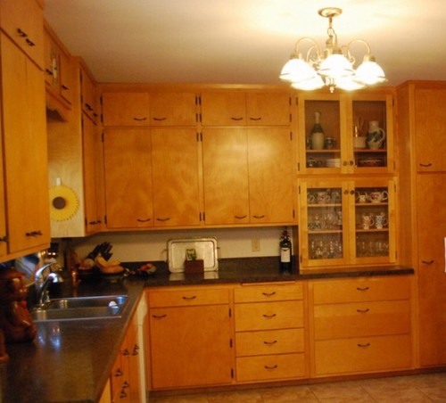 what color to paint the walls with original orange tone maple cabinets