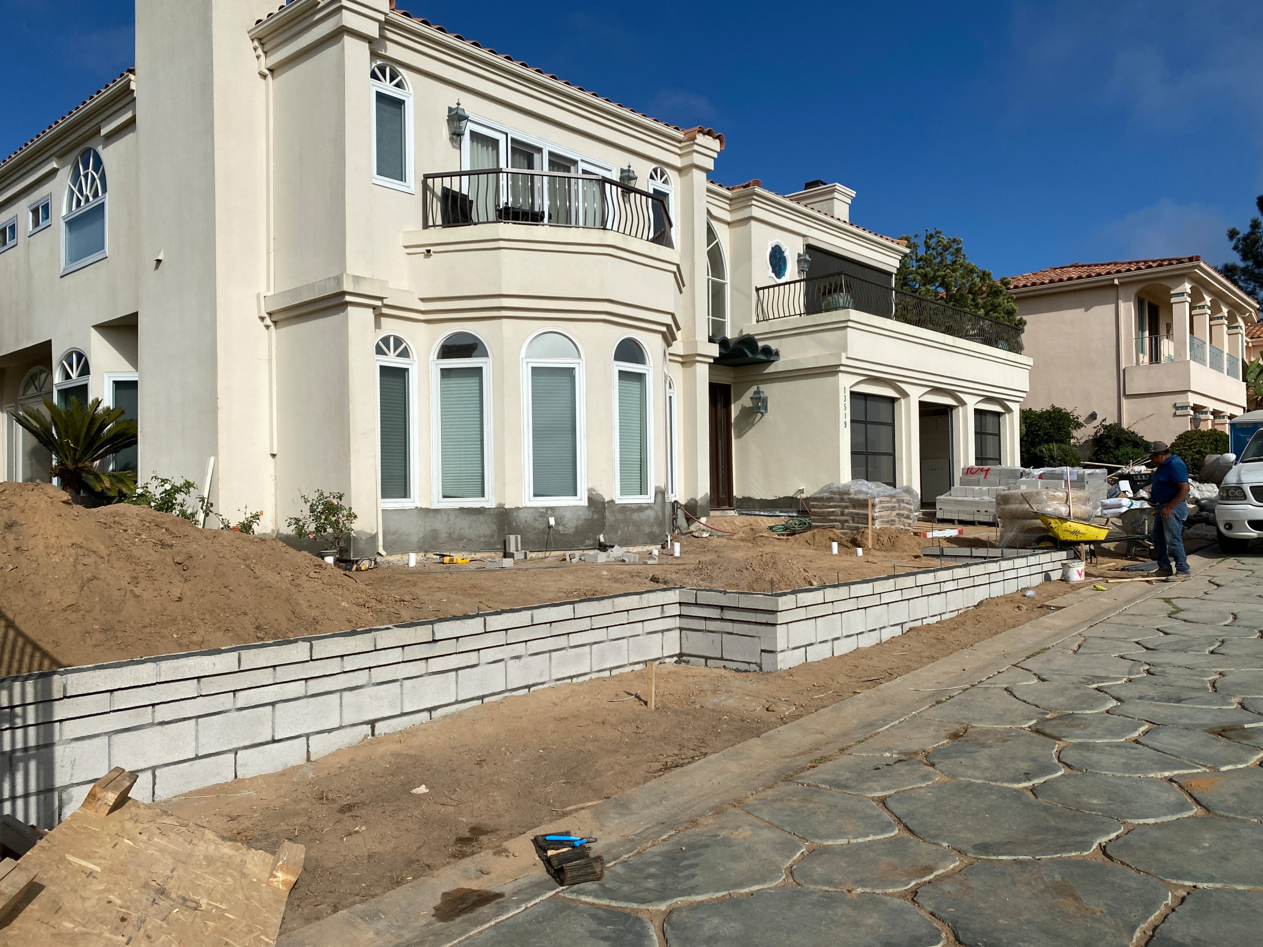 Building a New Retaining Wall in Front Yard