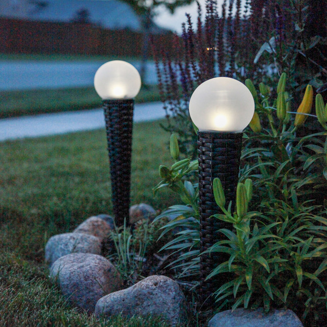Merveilleux Solar Wicker Garden Orb Light, Set Of 2