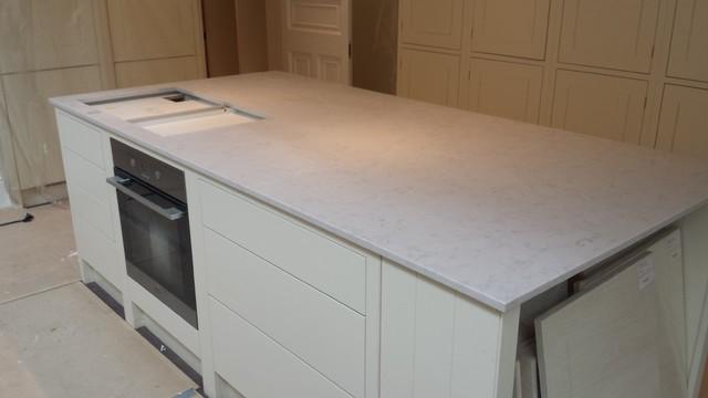 Kakel Quartz : Chiswick residence in silestone lagoon suede quartz klassisk