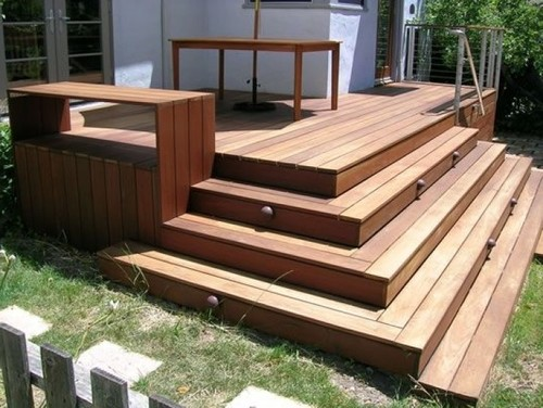 How to renovate front porch entrance sympathetically to for Box steps deck