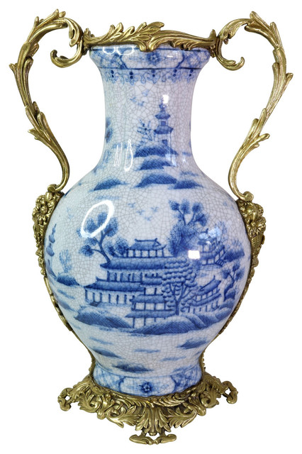 Blue And White Porcelain Blue Willow Trophy Vase 17