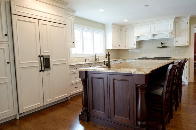 Westover Road Stamford Ct Traditional Kitchen New York By Rutt Studio Of Westport
