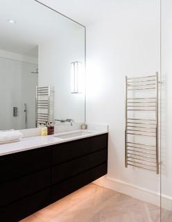 JIS Europe 'Ouse' Heated Towel Rails