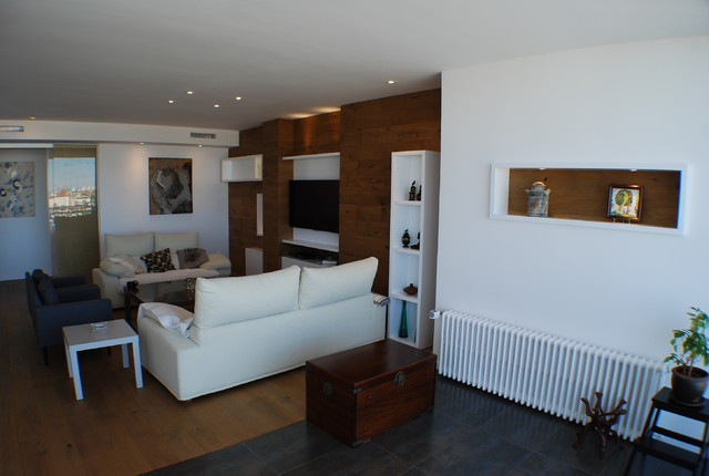 Design ideas for a modern living room in Madrid.